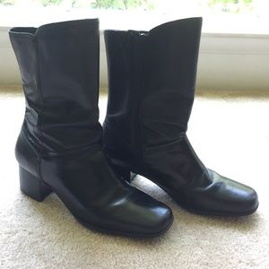 ✨Narrow black leather boots